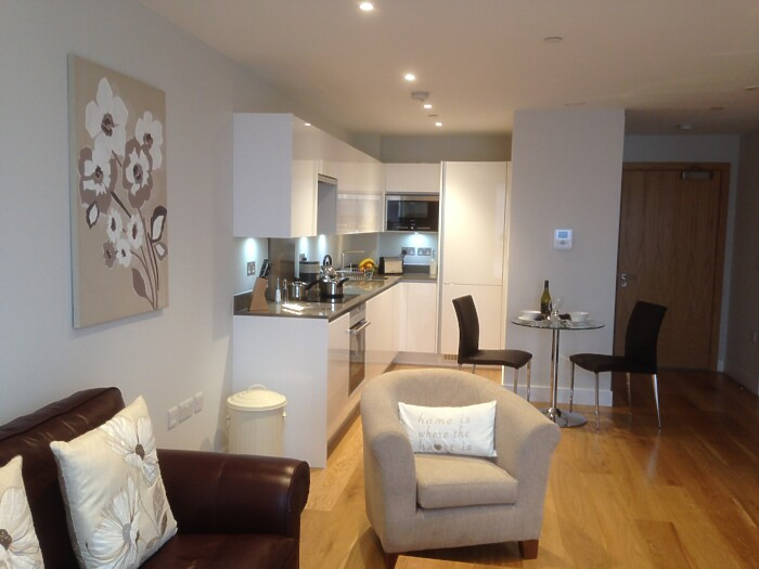 Serviced Lettings - Parkside Apartments - 1