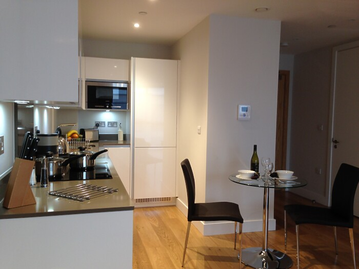 Serviced Lettings - Parkside Apartments - 4