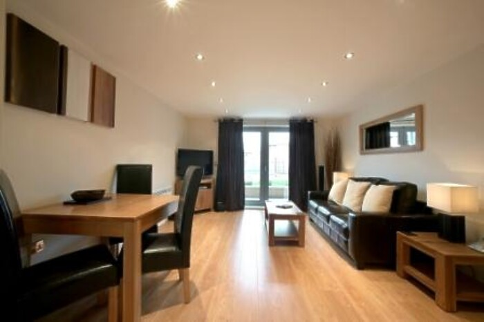 Serviced Lettings - Kelvin Gate Apartments - 1