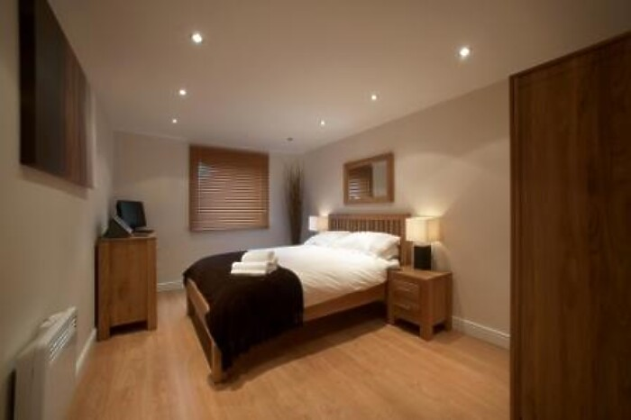 Serviced Lettings - Kelvin Gate Apartments - 3