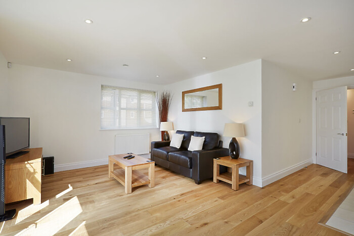 Serviced Lettings - Hendry Court Apartments - 1