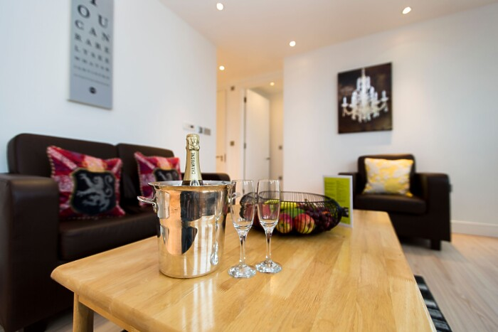 Serviced Lettings - No.1 Apartments - 3