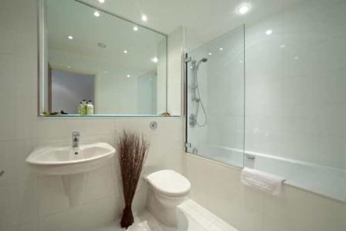 Serviced Lettings - Ocean Village Apartments - 3