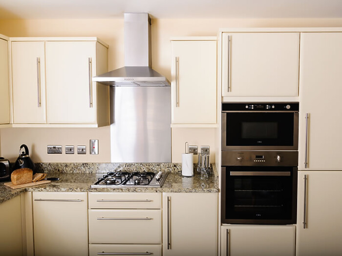 Serviced Lettings - St Helens Apartments - 4