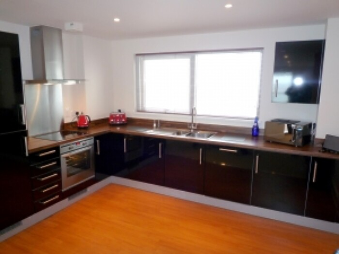 Serviced Lettings - Marina Tower Apartments - 4