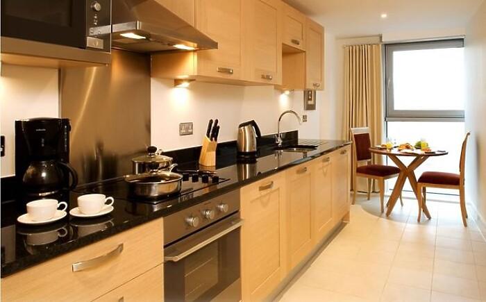 Serviced Lettings - Aldgate Apartments - 2