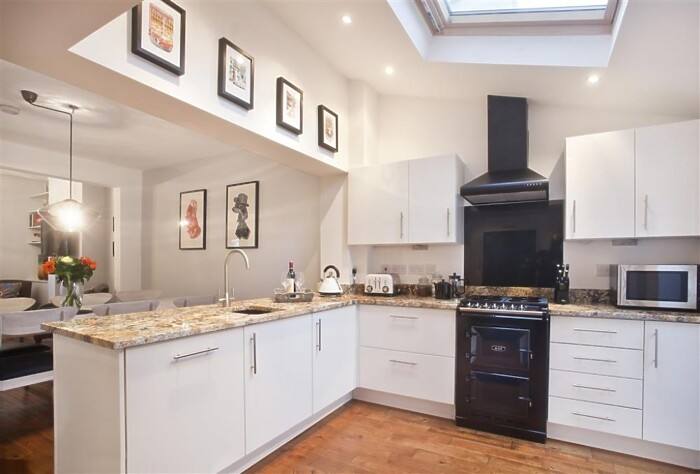 Serviced Lettings - York Central Townhouse - 2