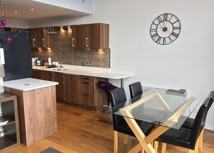 Serviced Lettings - Clyde Penthouse - 2