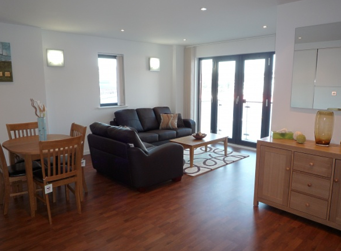 Serviced Lettings - Swansea Quay Apartments - 1