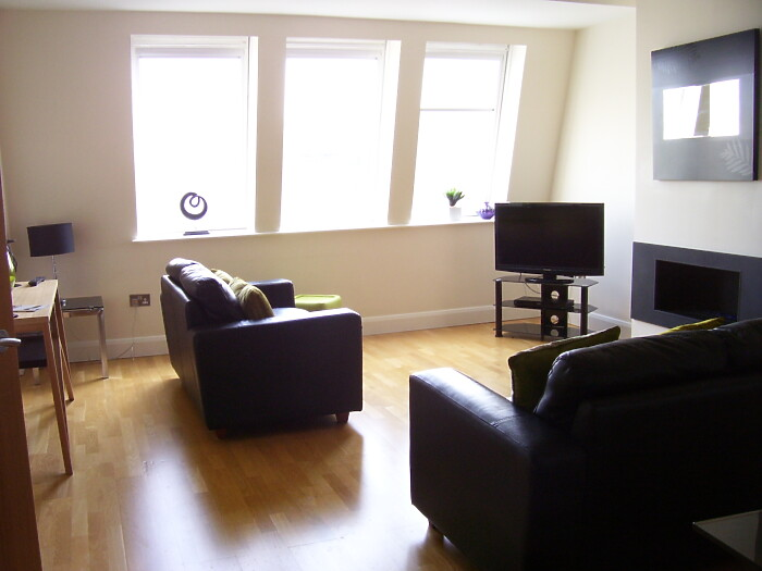 Serviced Lettings - Cardiff Bay Penthouse - 1