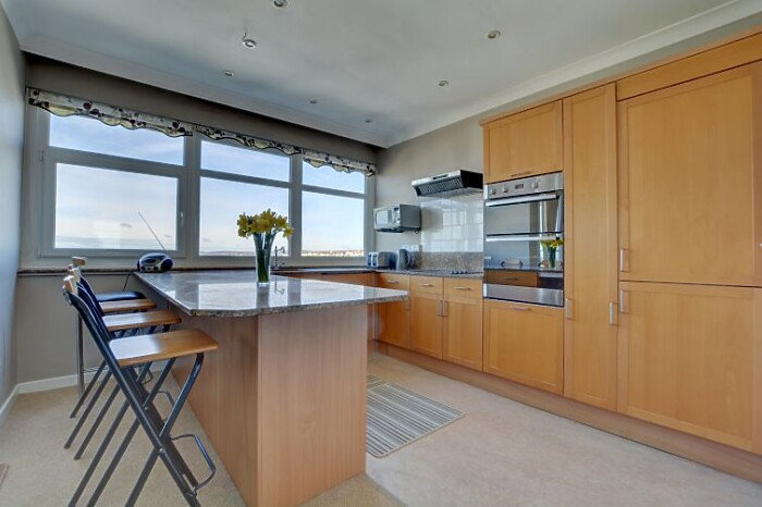 Serviced Lettings - The Sunset Apartment - 2