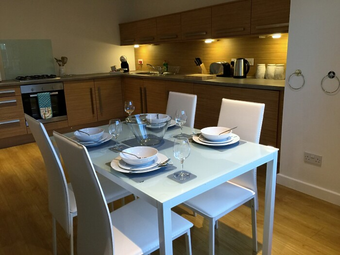Serviced Lettings - High Street Apartments - 4