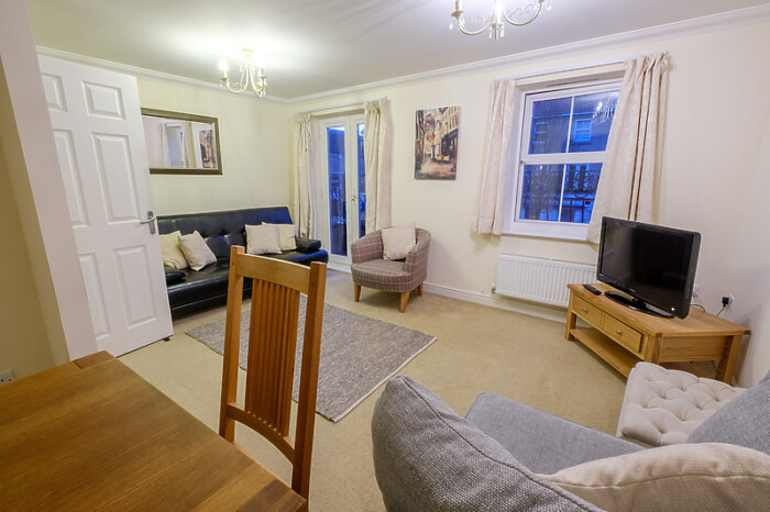 Serviced Lettings - City Centre Townhouse - 3