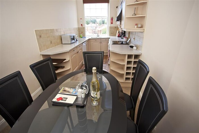 Serviced Lettings - Buckingham Duplex - 5