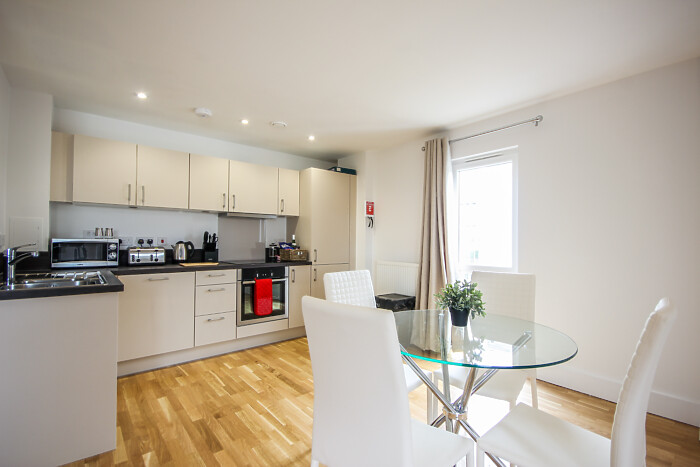 Serviced Lettings - The Bridge Apartments - 5