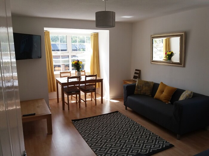 Serviced Lettings - Penarth Apartment - 1