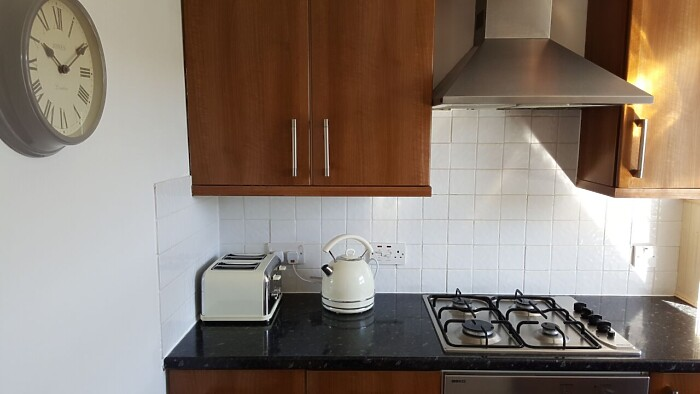 Serviced Lettings - Penarth Apartment - 4