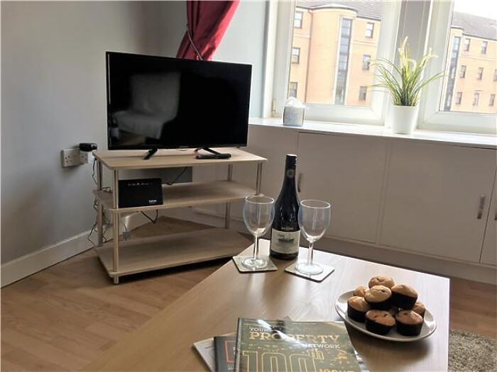 Serviced Lettings - Paisley Central Apartment - 4