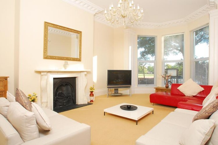 Serviced Lettings - Plymouth Hoe Apartments - 1