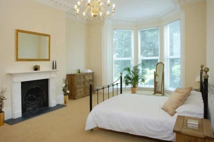 Serviced Lettings - Plymouth Hoe Apartments - 2