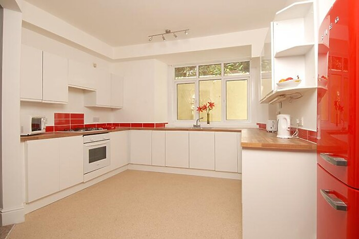 Serviced Lettings - Plymouth Hoe Apartments - 3