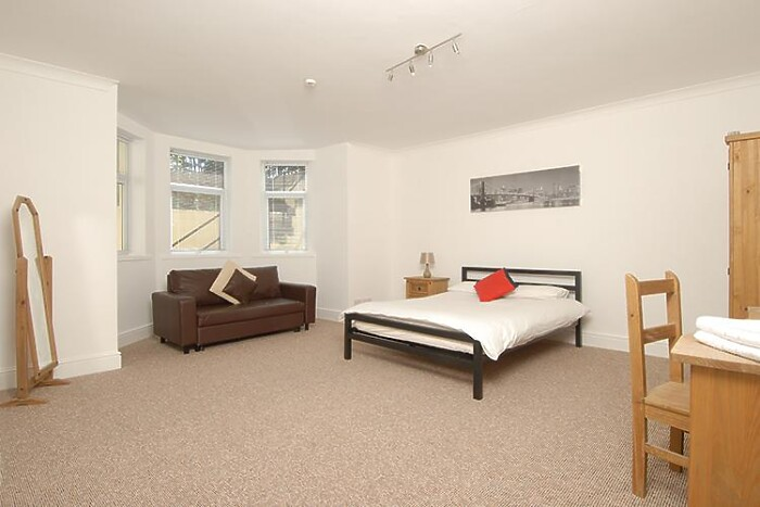 Serviced Lettings - Plymouth Hoe Apartments - 5