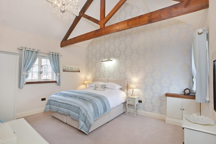 Serviced Lettings - Holtby Farm Cottages - 1