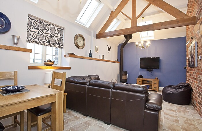Serviced Lettings - Holtby Farm Cottages - 3