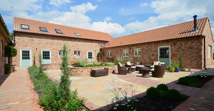 Serviced Lettings - Holtby Farm Cottages - 6