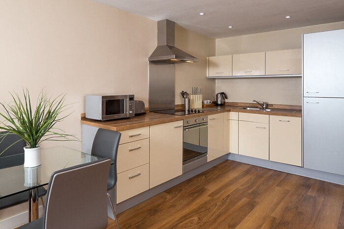 Serviced Lettings - LS4 Apartments - 3