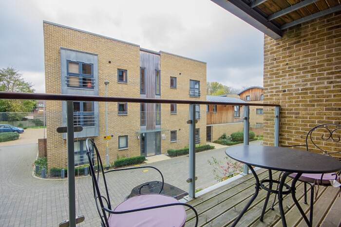 Serviced Lettings - The Rosary Apartment - 4