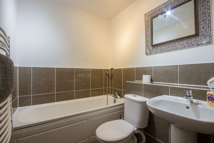 Serviced Lettings - The Rosary Apartment - 5