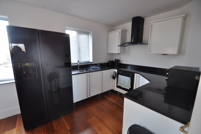 Serviced Lettings - Galleon Apartments - 5