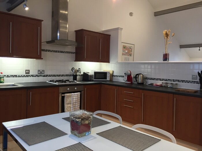 Serviced Lettings - Glasgow Mews Apartment - 1