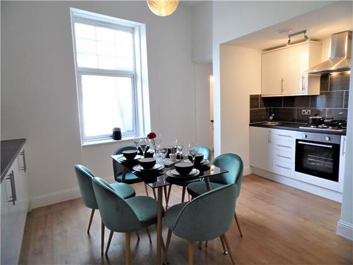Serviced Lettings - G51 Apartments - 6