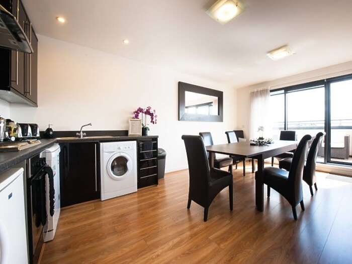 Serviced Lettings - Market Apartments Penthouse - 3