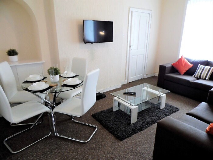 Serviced Lettings - Bowden House - 1