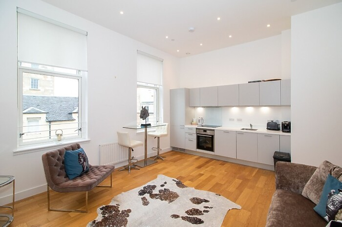 Serviced Lettings - District Apartments - 1