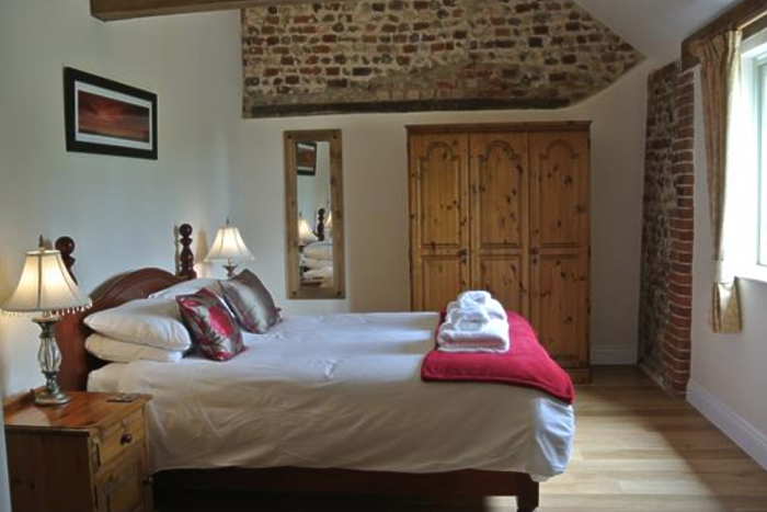 Serviced Lettings - Manor Holiday Barns - 1