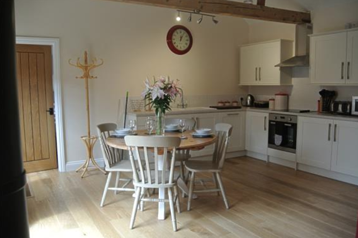 Serviced Lettings - Manor Holiday Barns - 3