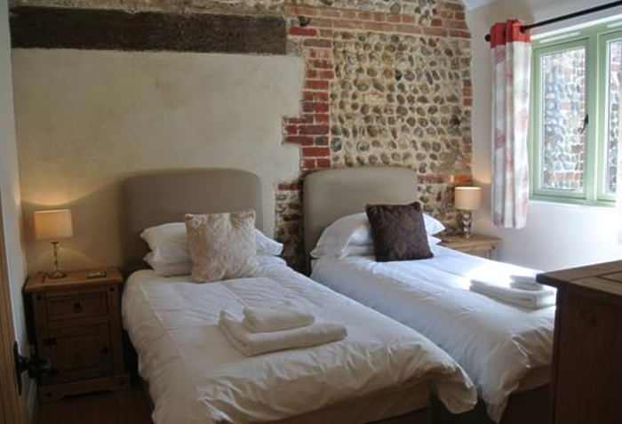 Serviced Lettings - Manor Holiday Barns - 5