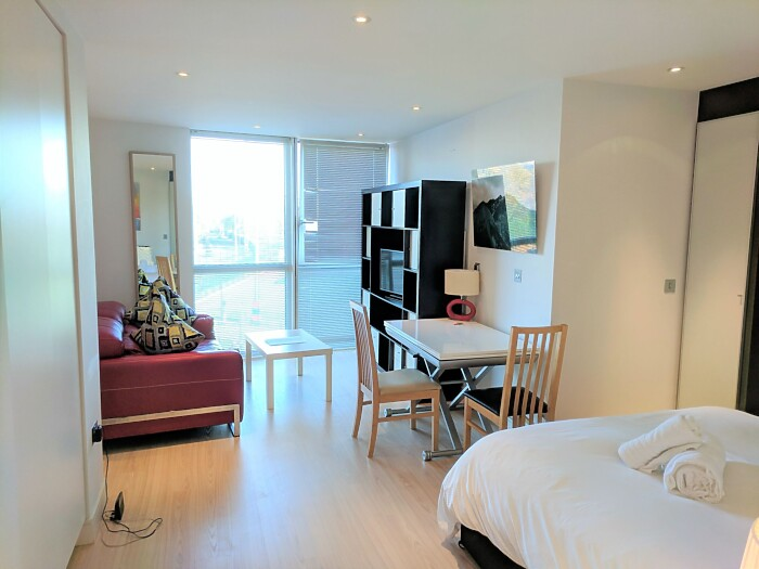 Serviced Lettings - No.1 Studios - 2