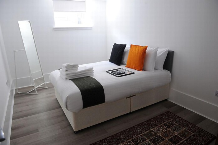 Serviced Lettings - Victoria Dock Apartments - 3