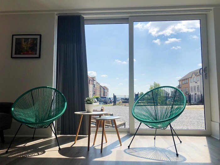 Serviced Lettings - Victoria Dock Apartments - 4