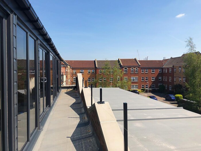 Serviced Lettings - Victoria Dock Apartments - 6
