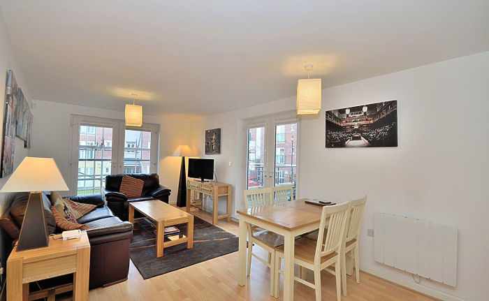 Serviced Lettings - Racecourse Apartments - 1