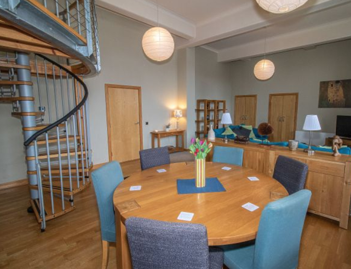 Serviced Lettings - College Penthouse - 2