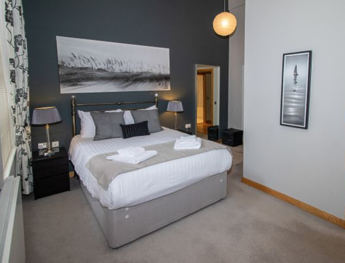 Serviced Lettings - College Penthouse - 3