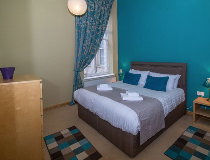 Serviced Lettings - College Penthouse - 4